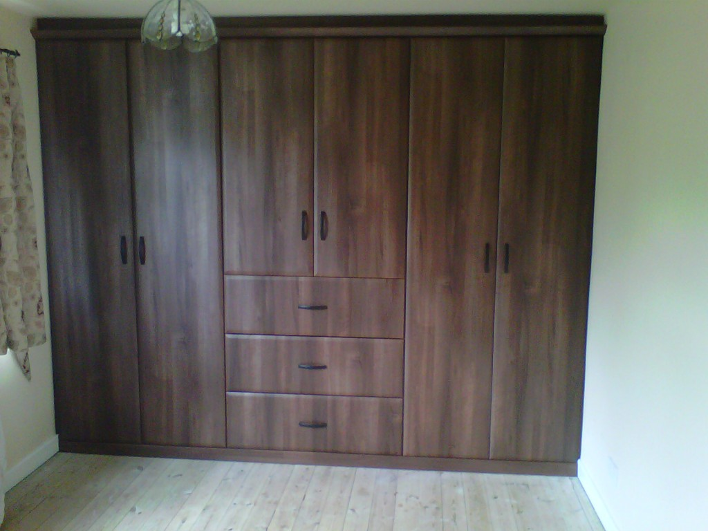 Bespoke floor to ceiling wardrobes made to cleints own specifications.